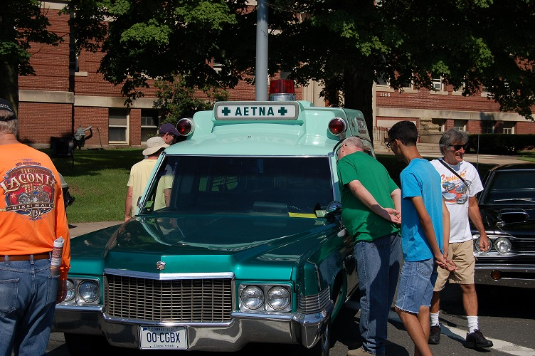 Aetna Participates in 18th Annual Cruisin' on Main Street Event